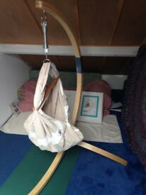 Miyo baby hammock with stand and 'love handle' travel fixture