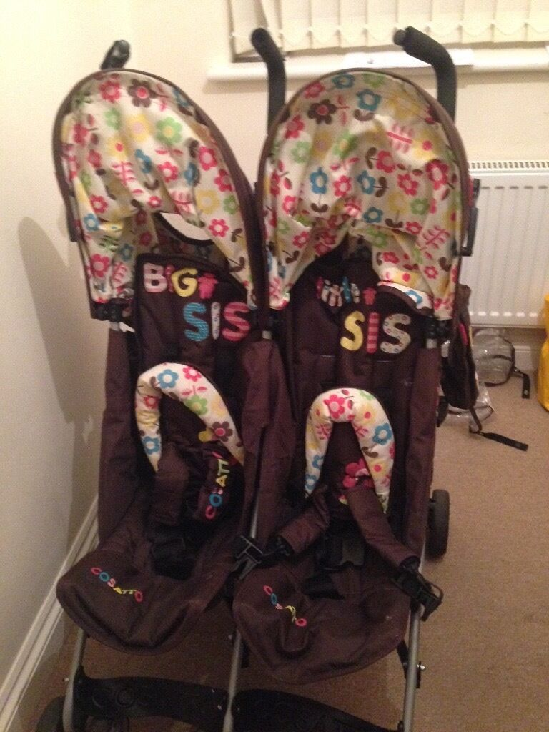 Twin pushchair For Lil sisters