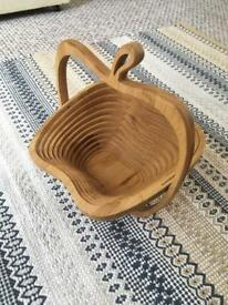 Apple-shaped folding bamboo fruit basket