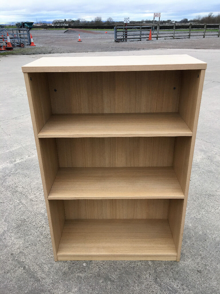 Bookcase Bookshelf in Light Oak50 Availablein GloucestershireGumtree - ~BOOKCASE BOOKSHELF~ Condition Used but in Excellent Condition Features Flat Packed Dimension 120cm Tall x 80 cm Wide x 35 cm Deep Material Plywood,Vaneer Nr of Shelves 2 Main Colour Light Oak Quantity 50 Contact Me about Delivery Contact James...