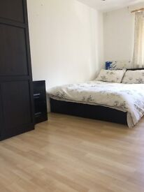 Airy, bright double room to rent in Riley Road, London, SE1 - £675pcm