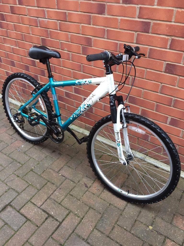 Apollo TWILIGHT Ladies bike nearly NEW! BARGAIN!