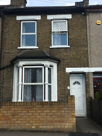 3 BEDROOM HOUSE IN E18 - (Central Line)