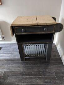 *SOLID* wood kitchen server/ island