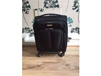 Cabin Size Samsonite Expandable Suitcase in Black (4 Wheeler)