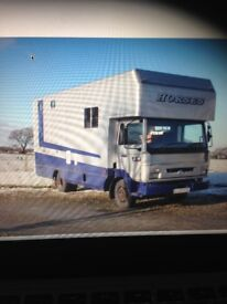 Horse box only 53,000 miles Plated and mot till NOV 2018 please see pictures for info and contact
