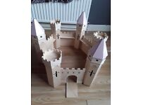 GIRLS WOODEN PLAY CASTLE PINK £4