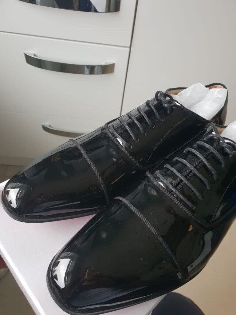 detailed look bfe0a 39790 Black Smart Real Leather Shoes Red Bottoms – Luxury Designer Brand | in  Leyton, London | Gumtree