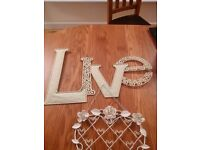 Cream shabby chic LIVE plaque and love heart photo/notes holder