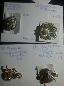 Brooches pre owned