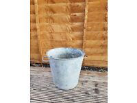 Vintage Rustic Metal Plant Pot Planter for the Garden, Weddings or Events