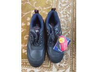 Size 8 Cofra safety shoes