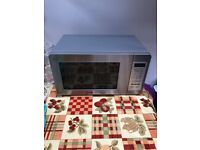 Daewoo Microwave for repair, is in excellent condition