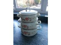 3 pots various sizes