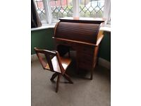 Antique Roll top desk (Childs)