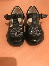 Girls shoes size 5.5f - Clarks