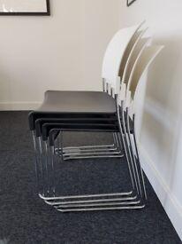 4x VITRA Black and white chairs