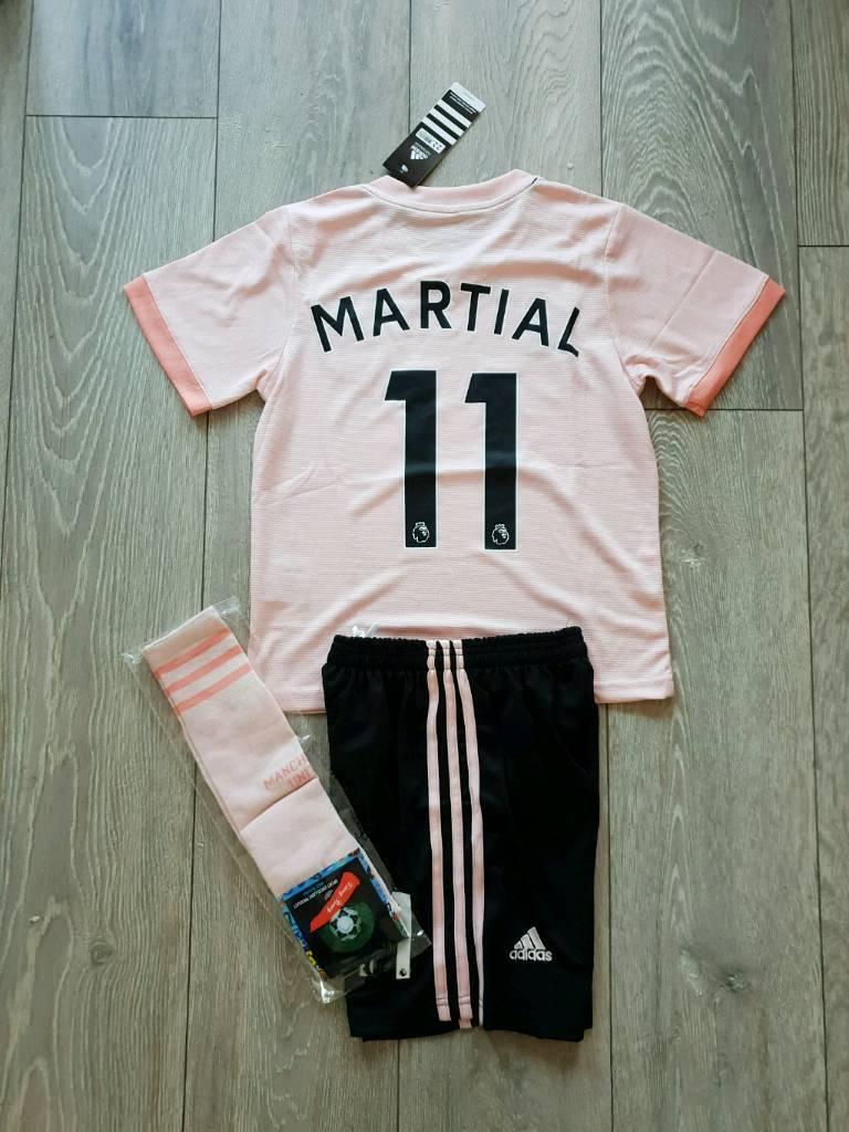7a43ff27170 2019 Manchester United football kit adidas shirt top shorts 4-13 years kids