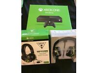 Xbox One 500GB With XO THREE Turtle Beach Headseti
