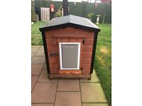 Large strong dog kennel - great condition