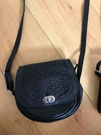 Black crossbody bags