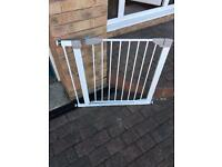 Lindam Presure Fit Stair Gate with Extender