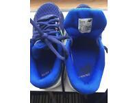 New Balance KJ 680 v3 Boys Running Shoes. Kids Size 10