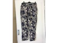 Ladies floral trousers with tag. Size 10