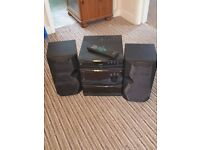 Kenwood 3 cd hifi system very powerful with remote and speakers