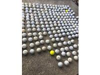 Mixed bag of approx 300 golf balls