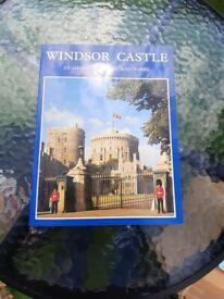 A Vintage 1981 Souvenir Booklet of Windsor Castle St George's Chapel and Parks