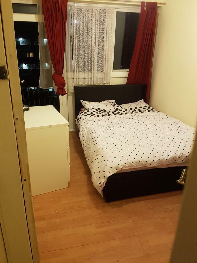 Perfect double room to rent next to tube station Canada Water se16 or Surrey Quasy se16