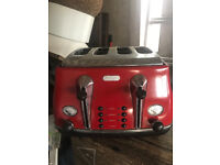 Delonghi Red 4 slice toaster