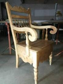 Stunning Throne style chair