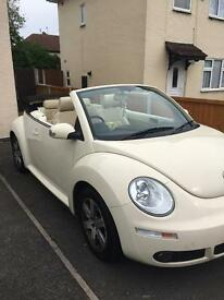 VW Beetle convertible 1.6 Luna in cream
