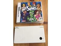 Nintendo DSI and sims 2 game