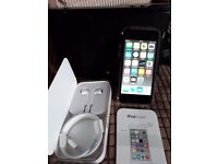 Ipod Touch 6th Generation & Docking Station