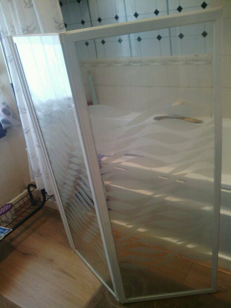 Shower screen brand new