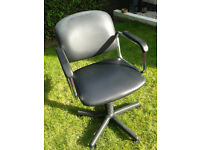 3 Hairdressing/Salon Chairs