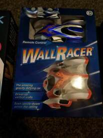 Wall racer cars