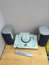 Bush Cd Player and radio with remote and speakers