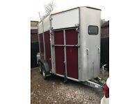 HB505H Double Horse trailer - Burgundy