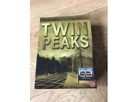 Twin peaks 10 disc gold dvd box set seasons 1 & 2