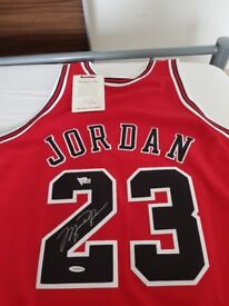 Micheal Jordan Chicago Bulls Autographed Mitchell And Ness 1997-98 Red Jersey