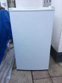 **CURRYS**UNDERCOUNTER FREEZER**ENERGY RATING: A+**COLLECTION\DELIVERY**MORE AVAILABLE**NO OFFERS**