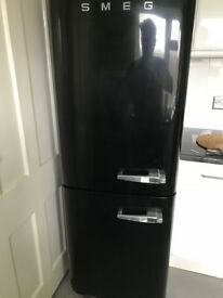 SMEG Retro Fridge Freezer BLACK in BR1