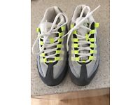 NIKE air max 110, adult size 5