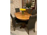 Solid Oak Extendable Table & 6 Chairs