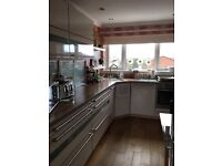 Private 2 bed spacious flat with private access and private garden for rent