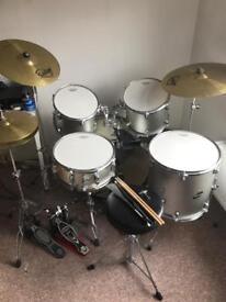 Ludwig CS Accent 5 piece Drum Kit with Double Bass Pedal